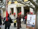 Miembros del sindicato CGT de Burgos se concentran contra la crisis del sistema capitalista