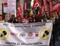 Toledo: Los trabajadores de Correos protestan en el Casco contra el 'apagón postal'
