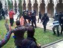 CGT Cataluña: Puertas cerradas y golpes de porras