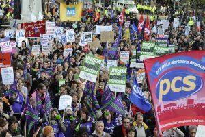 Trabajadores británicos concluyen la mayor huelga en el país desde 1979