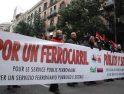 CGT se manifiesta en Barcelona en defensa del ferrocarril público