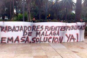 Los despedidos de Emasa Málaga acampan a las puertas del Ayuntamiento