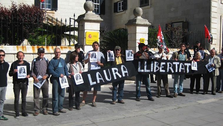 Concentración en Menorca por la libertad de Laura