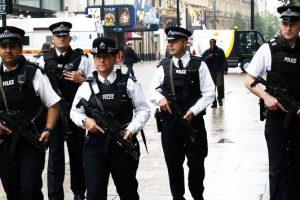 Fuerzas antiterroristas del Reino Unido detienen a anarquistas que regresaban de encuentro internacional