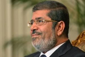 Rechazo a la Declaración constitucional y a la ley de protección de la revolución del presidente egipcio Morsi