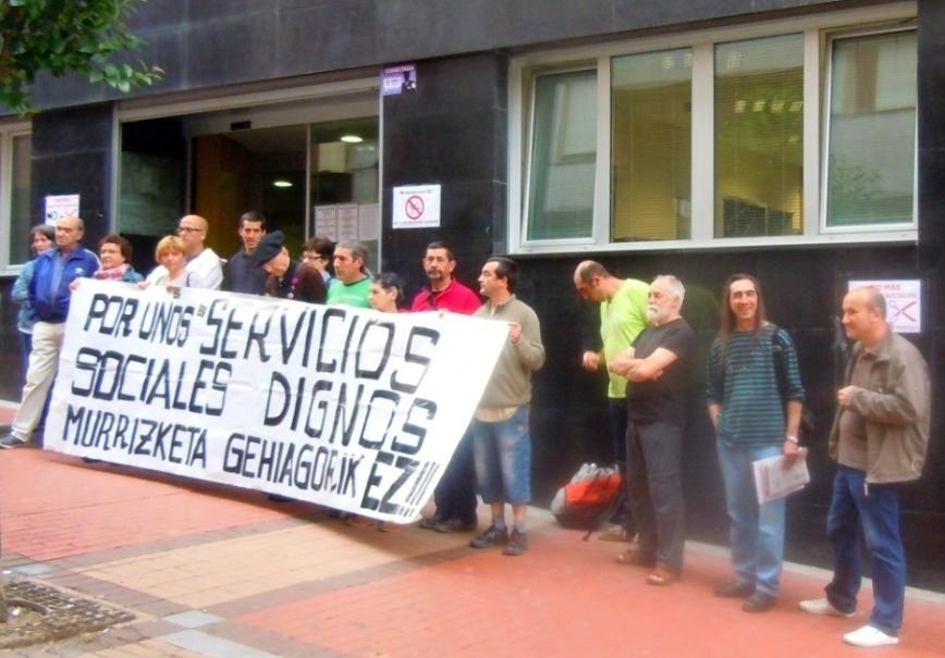 Una familia denuncia los recortes del Ayuntamiento de Barakaldo