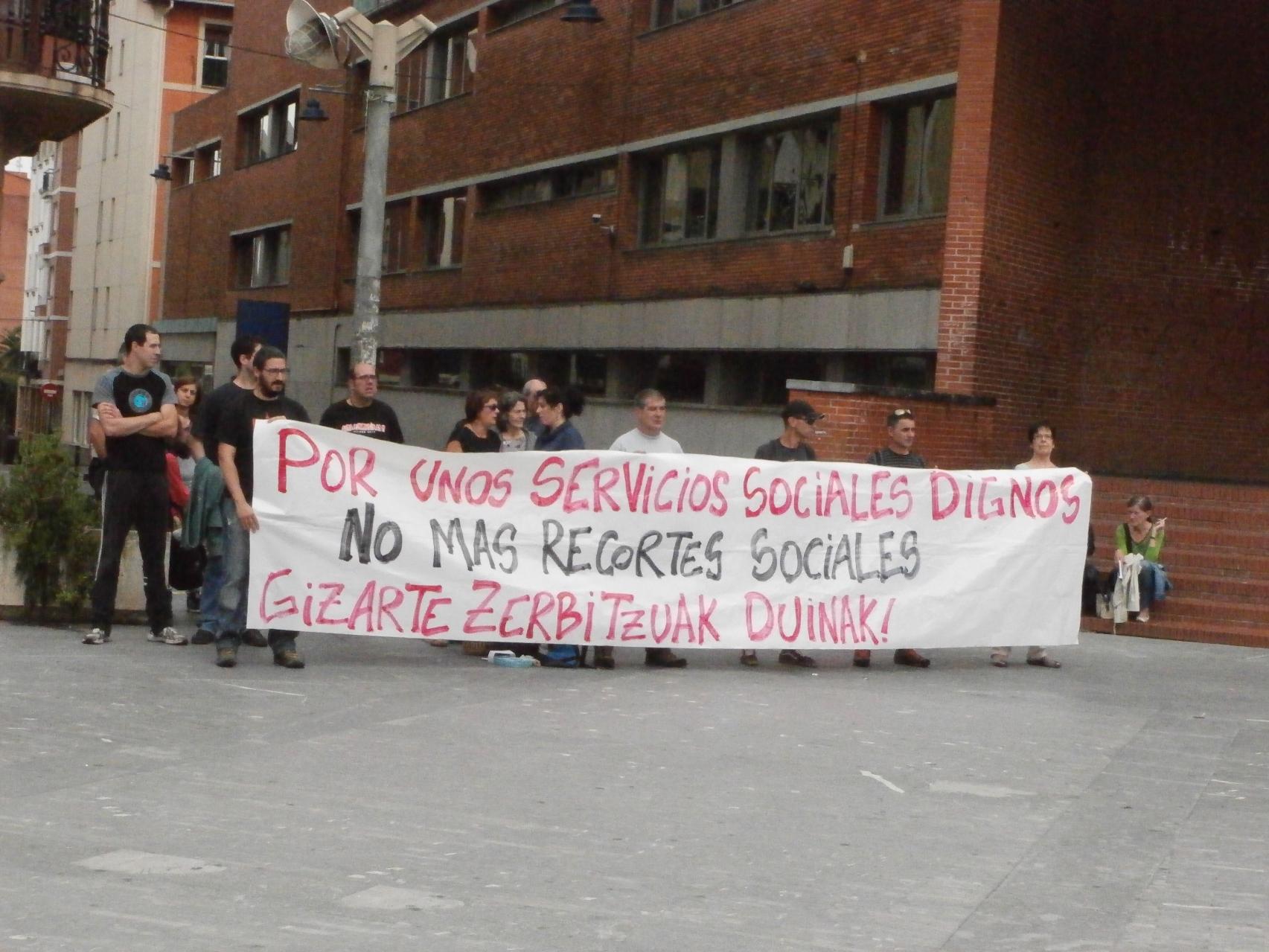 Movilización en Barakaldo contra los recortes y sus responsables políticos