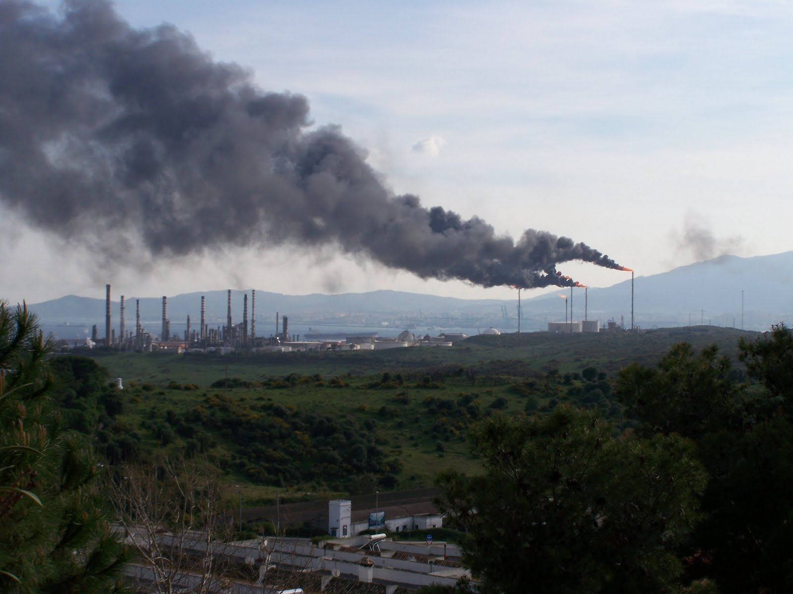 CGT preocupada con el aumento de exposición a sustancias tóxicas de los trabajadores de las grandes industrias