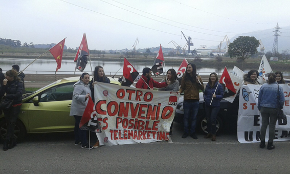 [Fotos] Concentracion Huelga Telemarketing en Cantabria