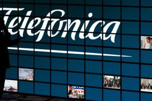 Telefónica prohíbe a Rojo y Negro TV informar sobre su Junta de Accionistas