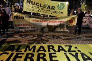 ¿Qué pasa en la central de Almaraz? Pendientes todavía de la renovación de autorización, con apenas cuatro días de diferencia los dos reactores de Almaraz han entrado en parada automática